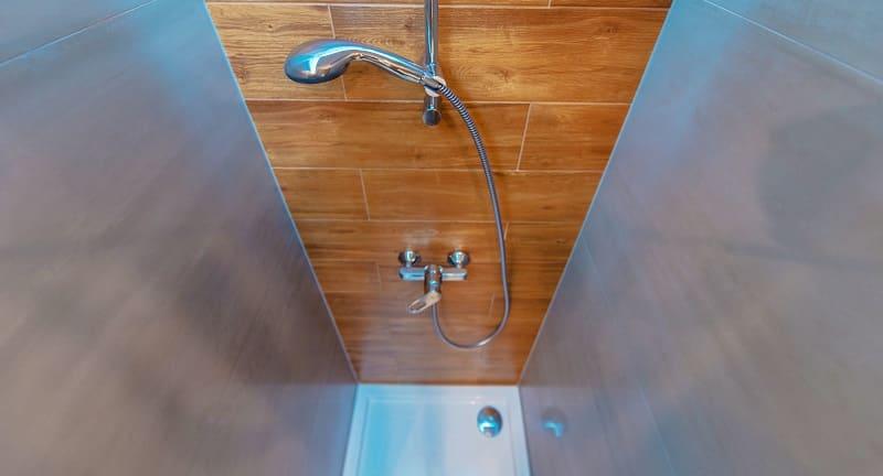 szklana kabina sanitarna
